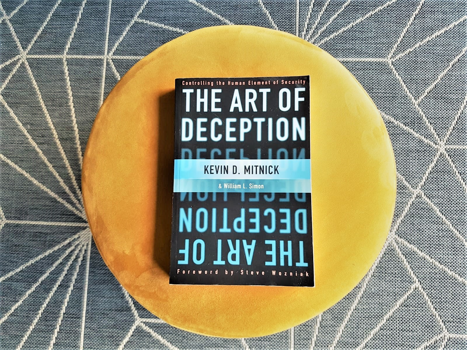 The Art of Deception Mitnick